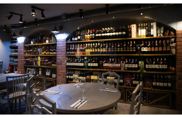 Restauracja, Winiarnia Gruzińska - jedzenie na wynos, wino gruzińskie, chaczapuri Wawer